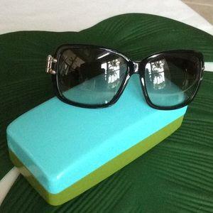 Beautiful Marc Jacob sun glasses